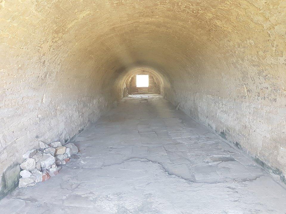 """Подземный ход, расчищенный волонтерами (крепость """"Керчь"""")"""