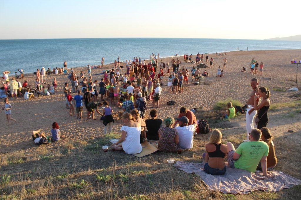 Волонтеры фонда отмечают День Археолога (Яковенково)